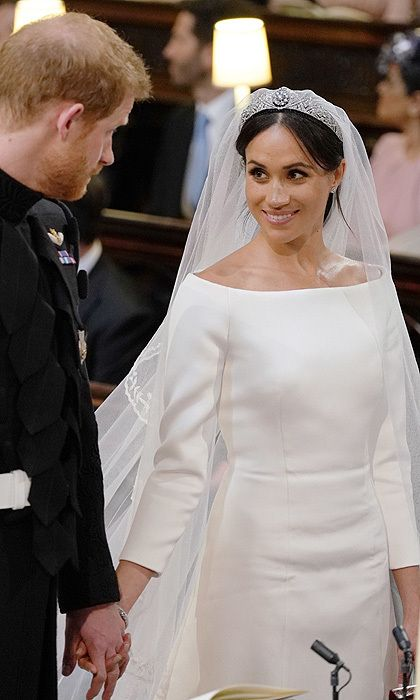 the makeup meghan s wedding day makeup was impeccable and just like kate middlet meghan markle wedding dress harry and meghan wedding meghan markle wedding meghan markle wedding dress