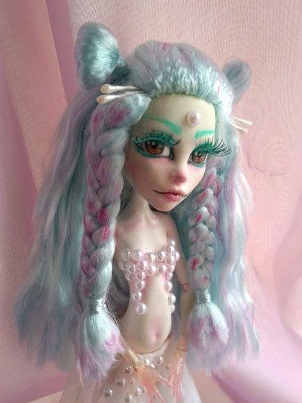 Daphnia é Uma Boneca Monster High Customizada Pela Usagi