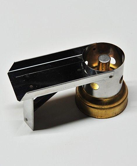 Fornello che il calzolaio usa per riscaldare il bussetto o la lissa prima della ceratura del cuoio.