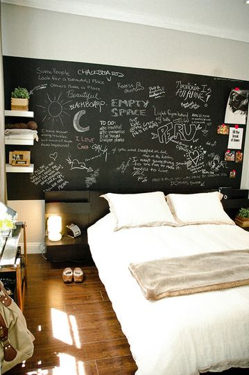 Superieur Best 25+ Chalkboard Wall Bedroom Ideas On Pinterest | Chalkboard Bedroom, Chalkboard  Walls And Chalk Wall Paint