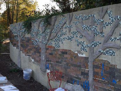 Building A Mosaic Tile Retaining Wall Concrete Retaining Walls Concrete Garden Retaining Wall