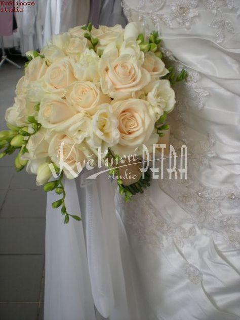 Svatební květiny | Svatební kytice z růží a fresií č. 425. | Květiny online, prodej a rozvoz květin