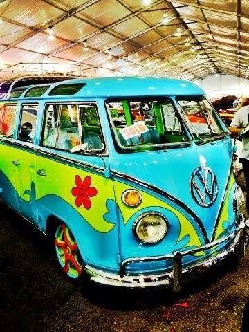 Another groovy inspiring VW bus: the Scooby Gang Mystery Machine! Vw Camper, Vw Caravan, Campers, Volkswagen Transporter, Vw T1, Volkswagen Golf, Vintage Volkswagen Bus, Volkswagen Beetles, My Dream Car