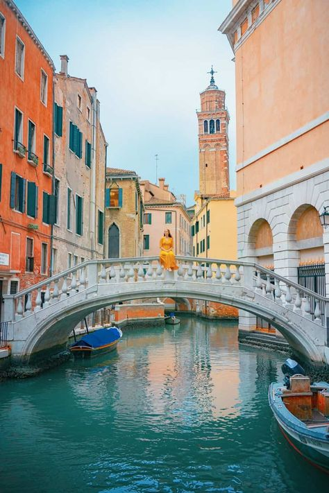 Discover recipes, home ideas, style inspiration and other ideas to try. Venice Travel, Italy Travel, Grand Canal Venice, Venice Boat, Venice House, Venice City, Venice Canals, Venice Beach California, Venice Florida