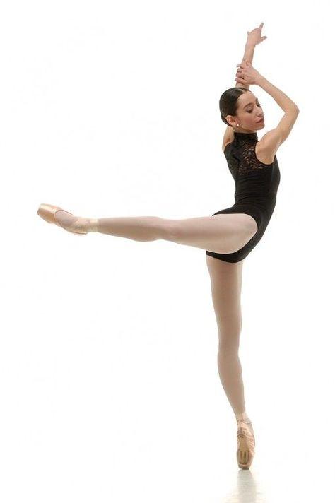 Ballerina Poses, Ballet Poses, Ballet Dancers, Ballerina Diet, Ballet Art, Ballerina Dancing, Dance Picture Poses, Dance Photo Shoot, Dance Photoshoot Ideas