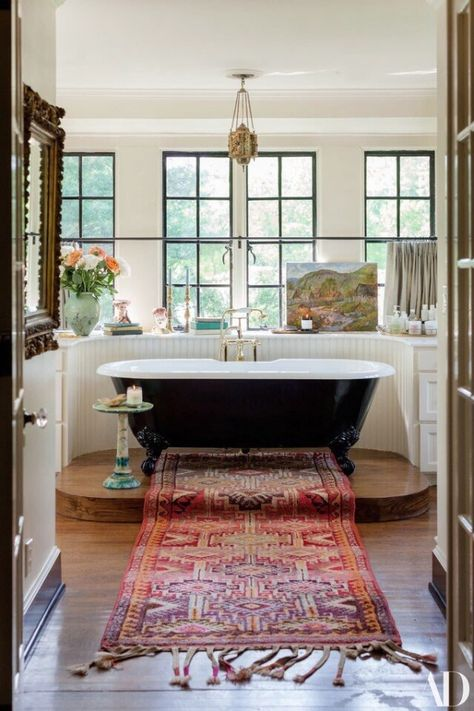 The Nashville home of Lily Aldridge is a case for brave antiques # . - The Nashville home of Lily Aldridge is a case for brave antiques house house - Architectural Digest, Lily Aldridge, Nashville, Sweet Home, House Ideas, Bright Homes, Classic Bathroom, House Goals, Bathroom Inspiration
