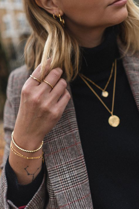 When it comes to accessorizing, sometimes less is more. Luckily, wearing simple, delicate jewelry happens to be in right now—and killer pieces are easier to find and more affordable than ever. Here are some great dainty gold necklaces that won't break the bank. #goldnecklace #daintygoldnecklaces #daintygoldjewelry #simplenecklace #affordablegoldnecklace #minimalistjewelry
