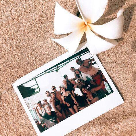 Am Sonntag ging es um 12 Uhr mit dem Boot nach Tanote Bay. Ausgerüstet mit unserem Tauchequipment  Am Sonntag ging es um 12 Uhr mit dem Boot nach Tanote Bay. Ausgerüstet mit unserem Tauchequipment und einem Beutel haben wir uns mit einem Sprung nach vorne ins Meer fallen lassen. Die Mission: Müll am Riff einsammeln! Hin und wieder haben wir einige Plastikflaschen eingesammelt oder Korallen vorsichtig vom Fischersnetz befreien müssen aber im großen und ganzen war Tanote Bay sauber was uns natürli