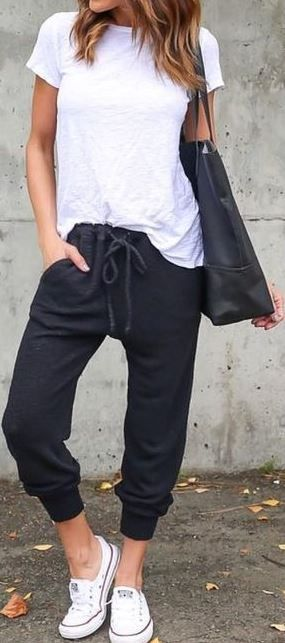 10 Cute Gym Outfits You Can Wear To Class Society19 Womens Joggers Outfit Athleisure Outfits Joggers Outfit