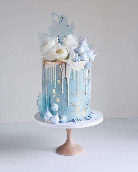Gorgeous blue meringue cake
