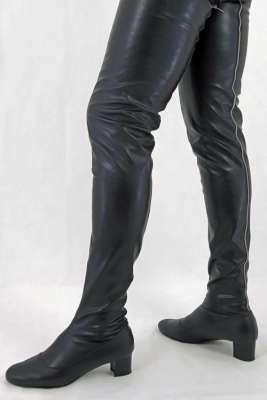 Overknee Lederstiefel mit Nieten hinten Maßanfertigung in