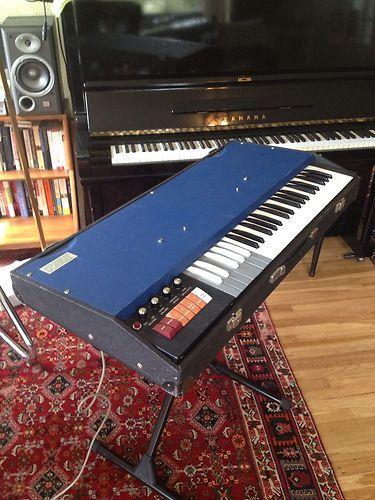 World SHIP Vintage Italian 60s Gem Jaguar Combo Organ Vox Continental Farfisa