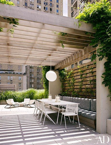 An Elegant Manhattan Townhouse Transformed By Architect William T Georgis Rooftop Design Roof Terrace Design Terrace Design