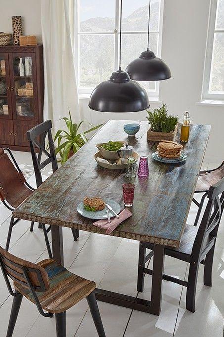 Holz findet sich häufig als Deko für das Wohnzimmer #homestory