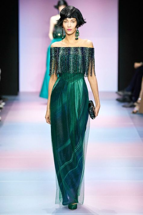 Best 2020 Spring Couture Runway Looks - Armani Prive Spring 2020 Couture Collection Runway at Paris Fashion Week Source by Veronika_Lampion - Style Haute Couture, Couture Looks, Spring Couture, Couture Fashion, Runway Fashion, Fashion Outfits, Paris Fashion, Fashion Weeks, Fashion Fashion