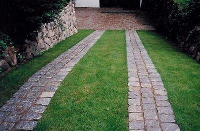 Bildergebnis Fur Fahrspur Pflastern Einfahrt Gestalten Garten Im Freien Garten Pflaster
