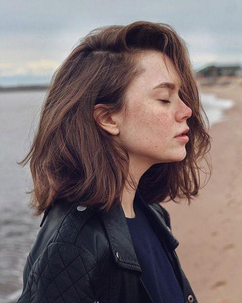 Trending Hairstyles 2019 - Cute Medium Length Hairstyles
