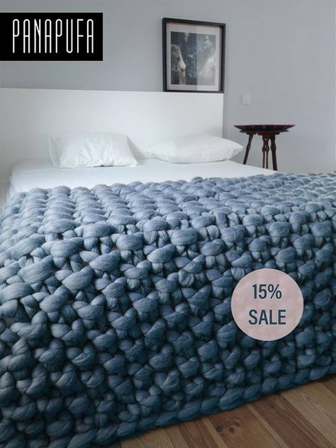 Chunky knit throw, chunky wool blanket, giant knit blanket This is a luxurious handmade throw, which is hand knitted by me using extremely big needles and unspun merino wool. Due to natural material, traditional hand craft and extreme pattern size the throw makes your room look