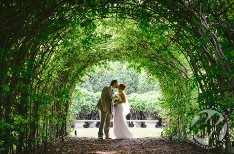 #MendelHousePhotography #MilwaukeeWedding #VillaTerraceWedding #ItalianVillaWedding #WisconsinWedding #BrideandGroom #Kissing #BusyBeeFloral #CharacterDFillms