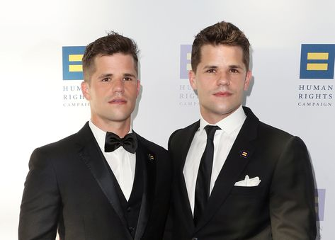 15 Celebrities You (Probably) Didn't Know Had a Twin