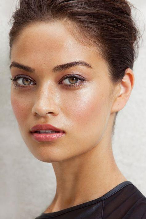 Pretty Makeup Tips   Templates   Stencil
