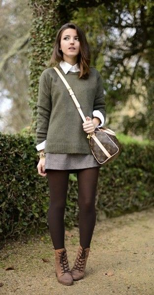 Preppy Chic - Chic Leggings Outfits You Can Actually Wear To Work - Photos