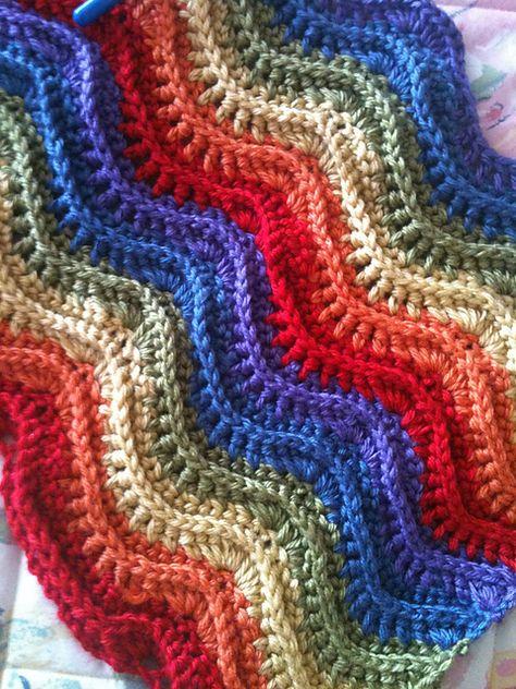 Ravelry: Feather and Fan Blanket #169 (crochet) pattern by Patons. Free crochet pattern.