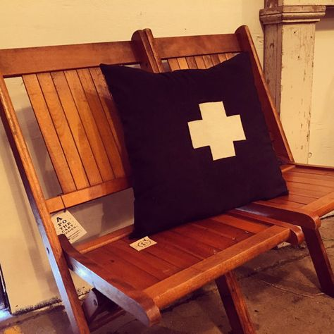 Swell Vintage Theatre Seating Wood Folding Chairs Tags Wood Caraccident5 Cool Chair Designs And Ideas Caraccident5Info