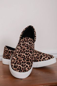 Cheetah print shoes, Sneakers fashion