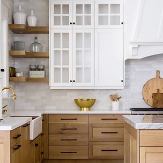 Pretty kitchen details  also today on the blog sharing