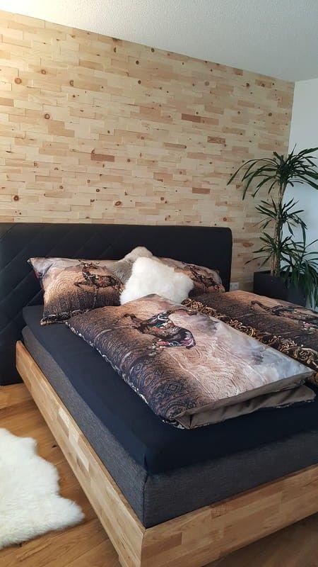 Naturliche Zirbe Wandverkleidung Im Schlafzimmer Sorgt Fur Eine Steigerung Der Erholungsqualitat Durch Beschleunigte Ve Holzwand Wohnzimmer Schlafzimmer Zimmer