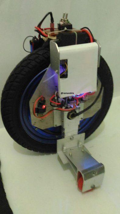 Diy Self Balancing One Wheel Vehicle In 2020 Car Wheels Parking Design Diy