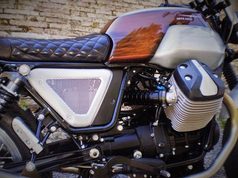 RocketGarage Cafe Racer: Brown Sugar