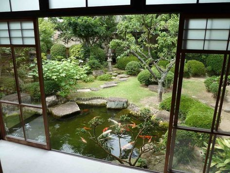 Japanese Courtyard Gardens tiny courtyard garden in an old Kyoto - mini jardin japonais d interieur