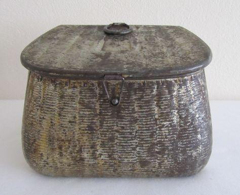 Huntley & Palmer's Fishing Creel Biscuit Tin