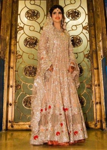 Getting married? Want to know the top Bridal Trends? Farah Talib Aziz shares her 5 favorite bridal trends.