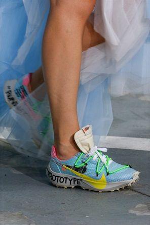più vicino a vari stili varietà di stili del 2019 Sfilate di Parigi: le scarpe più belle | shoes sandals SS19 ...