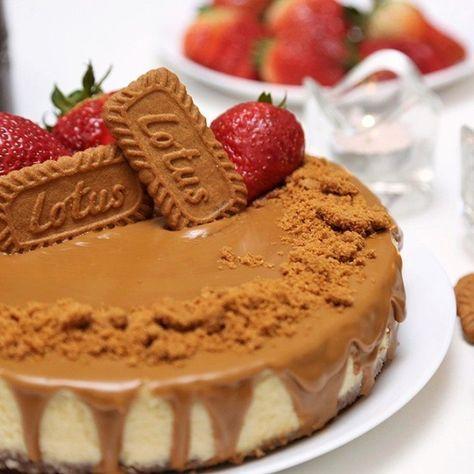 مطبخ سيدتي On Instagram تعلمي طريقة عمل تشيز كيك اللوتس على الطريقة الأصلية المقادير بسكويت 200 غم بسكويت لوتس مطحون الزبد Food Desserts Bread Cake