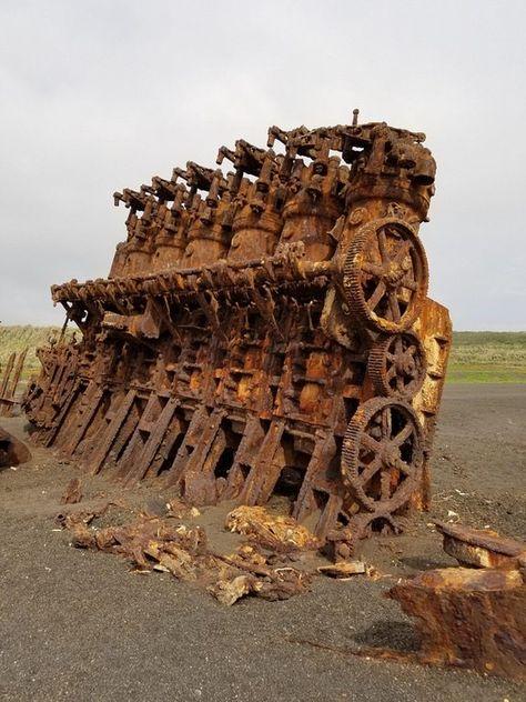 The engine of an old ship Iwo Jima Island. Abandoned Ships, Abandoned Cars, Abandoned Buildings, Abandoned Places, Marine Engineering, Iwo Jima, Industrial Photography, Futuristic Architecture, Shipwreck
