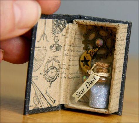 Risultati immagini per matchbox scrap Matchbox Crafts, Matchbox Art, Bottle Charms, Creation Deco, Miniature Crafts, Mini Bottles, Miniture Things, Cute Crafts, Constellations