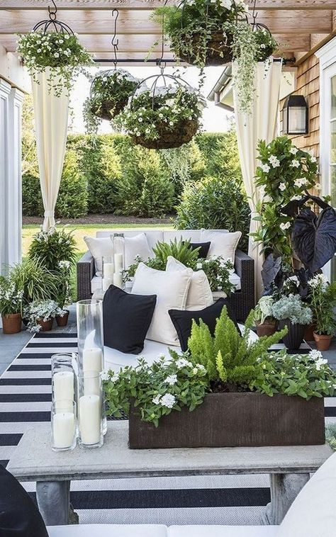 55 Affordable Ways to Update Your Patio this Summer #patioideas #summerpatioideas : solnet-sy.com