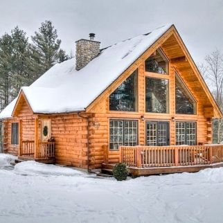 Best Small Log Cabin Ideas With Awesome Decoration 42 In 2020 Log Home Interiors Log Cabin Homes Log Home Living