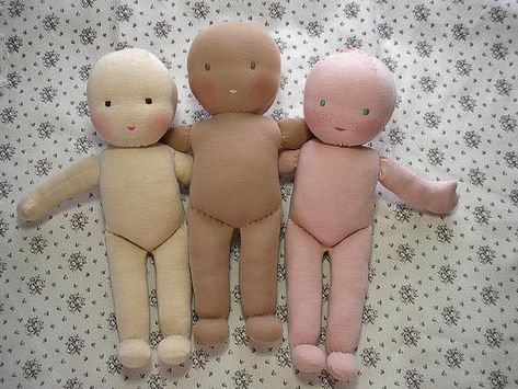 Great doll making tutorial. Always wanted to try it...