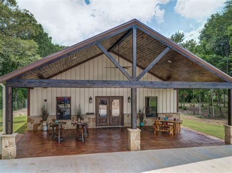 If You Re Into During This Barndominium Style We Have Some Impressive 20 Barndominium Inspiration Barn Style House Metal Building Homes Pole Barn House Plans
