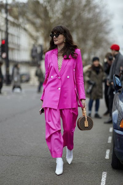 Neon '80s - The Most Inspiring Street Style at London Fashion Week Fall 2018 - Photos