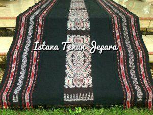 Model Baju Toraja Tenun Paruki