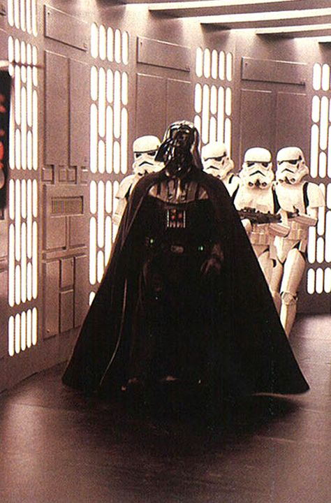 Star Wars: Darth Vader and Stormtroopers on the Death Star. Anakin Vader, Darth Vader, Anakin Skywalker, Star Wars Darth, Star Trek, Star Wars Pictures, Star Wars Images, Film Star Wars, Star Wars Poster
