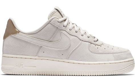 Nike Air Force 1 07 Suede W gris 109</p>                     </div>   <!--bof Product URL --> <!--eof Product URL --> <!--bof Quantity Discounts table --> <!--eof Quantity Discounts table --> </div>                        </dd> <dt class=