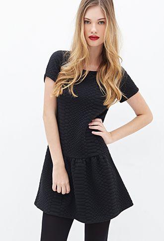 Strukturiertes Kleid mit tiefer Taille - Kleider - 2000100452 - Forever 21 EU
