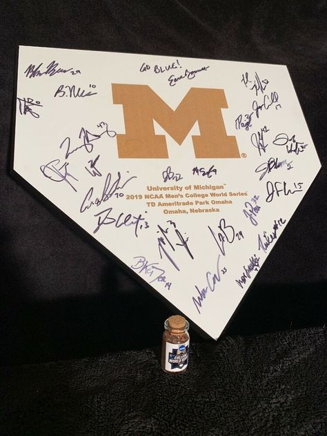 Michigan 2019 NCAA Baseball TShirt College World Series Bound Base Navy T-Shirt